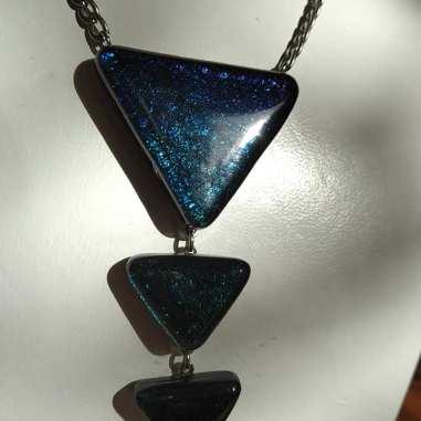 Flèche noir iridescent